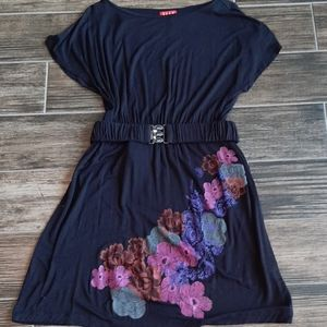 Ellen Size medium black dress